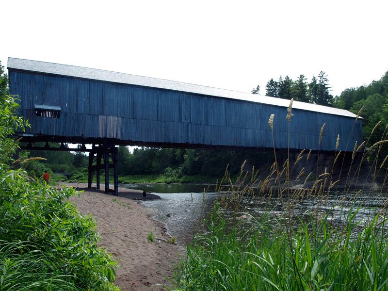 Smithtown-covered-bridge