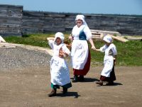 guides-in-costum-Fortress-Louisbourg-Nova-Scotia