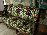 luxury-sofa-Fortress-Louisbourg