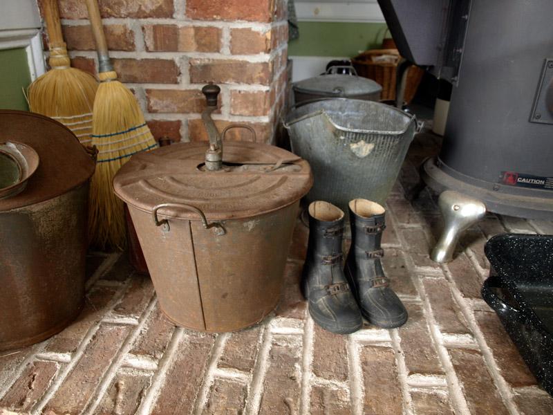 kitchen-artifacts-Duon-House-Historic-Acadian-Village-Pubnico-NS