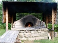 -bread-making-oven-outside-Doucet-House