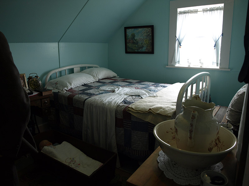 lightkeepers-bedroom